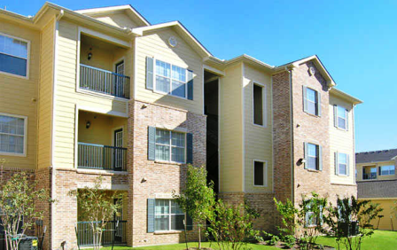 Exterior View of Brookside Apartments in Killeen