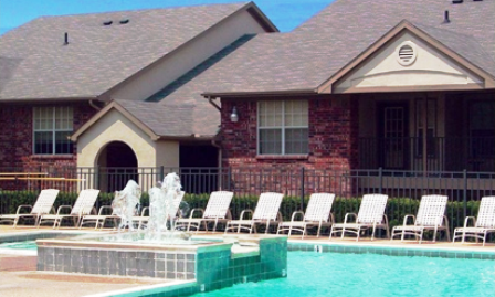 Arbors of Killeen Apartments Pool Area