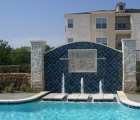 Pool and Fountain at Spicewood Crossing Apartments