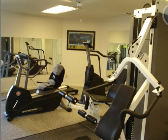 fitness center at shadow creek apartmen