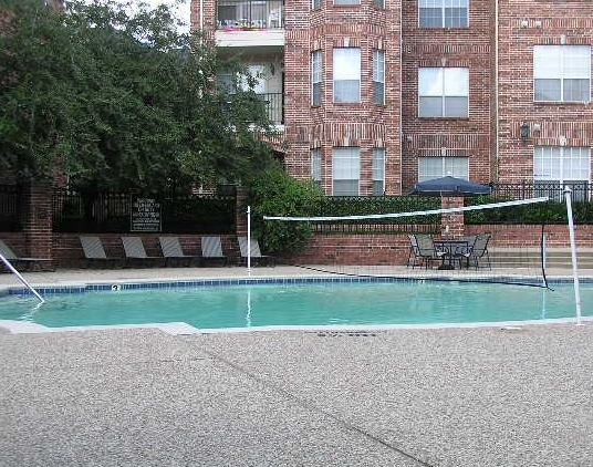 The Saxony Apartments Pool Volleyball