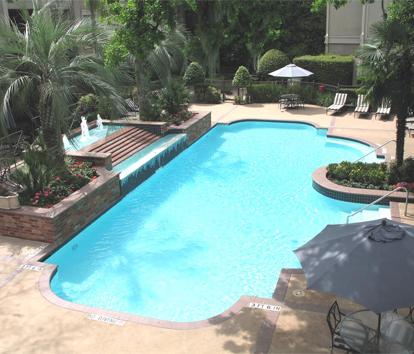 Sparkling Pool at these Houston Galleria Apartments