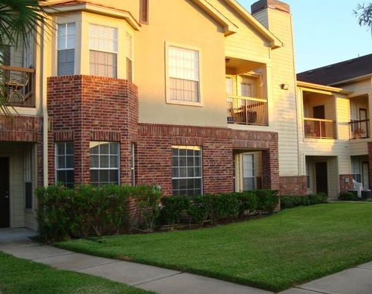 Exterior View of Friendswood, TX Apartments