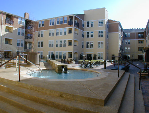 Apartments in Uptown Dallas, TX - Marquis at Cedar Springs