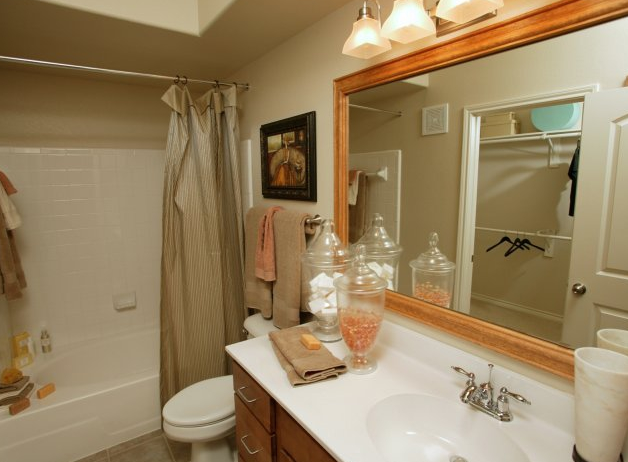 Large Bathrooms at La Villita Apartment Homes