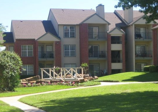 Exterior View of Bedford, TX Apartments
