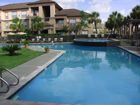 Webster TX Apartments with Sparkling Pool