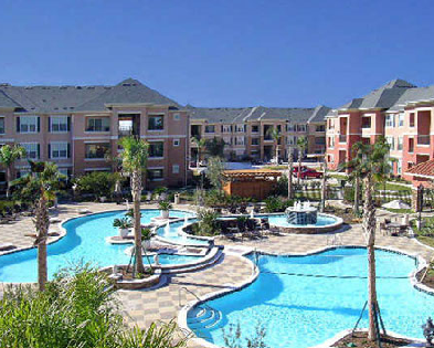 Alief Apartments with Sparkling Pool