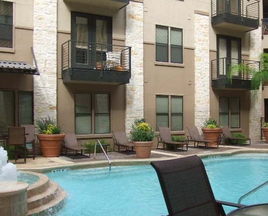 Pool Lounge at Gables Upper Kirby Apartments
