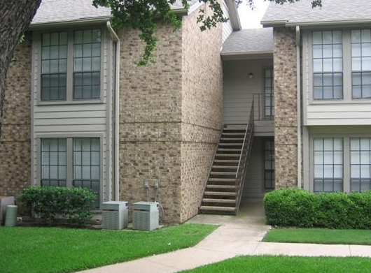 Exterior View of Addison TX Apartments