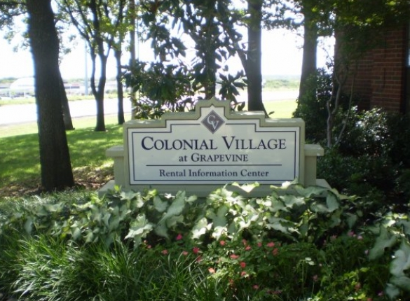 Colonial Village at Grapevine Apartments for Rent