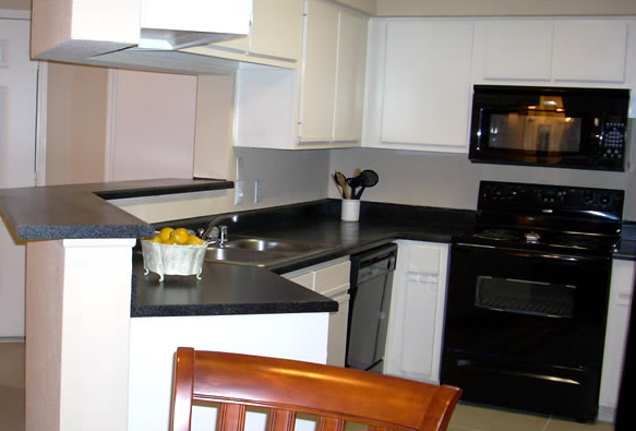 Kitchen Appliances at El Mundo Park Apartments