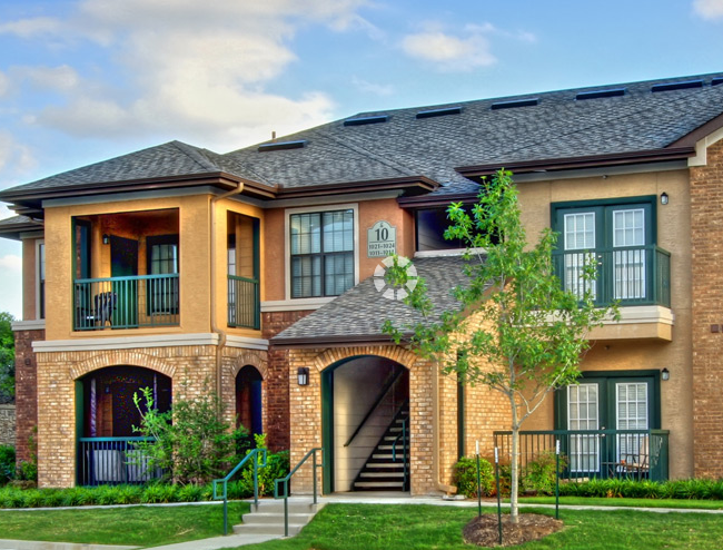 Exterior View of McKinney Texas Apartments Photo