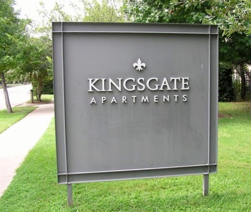 Kingsgate Apartments in Oak Lawn Dallas TX