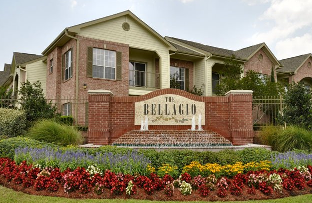 Front View of The Bellagio Apartments Houston TX