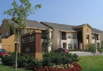 Exterior View of Sequoia Forum at Grand Prairie Apartments