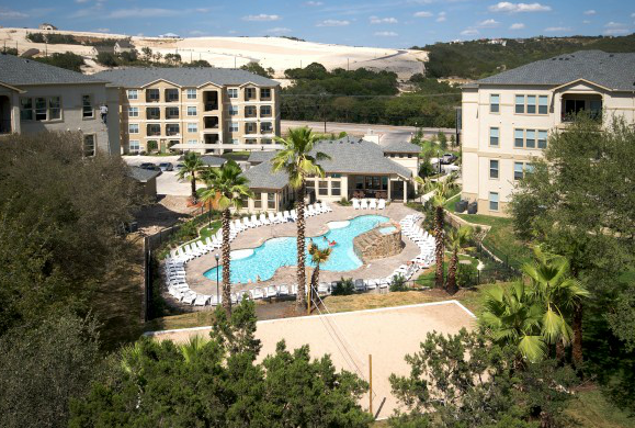 Estates at Crown Ridge Apartments in Far Northwest San Antonio TX