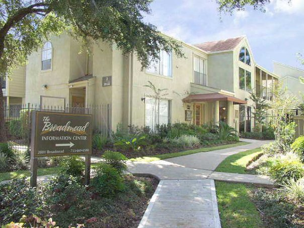 Medical Center Apartments in Houston at Broadmead
